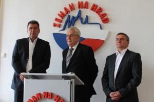 Martin Nejedlý (nalevo) během prezidentské kampaně. Zdroj: SPOZ