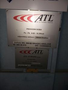 Cedule firmy ATL. Jinak se o firmě mnoho zjistit nedá. Foto: neo