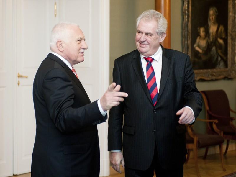 Protagonisté opoziční smlouvy Miloš Zeman a Václav Klaus na snímku z roku 2013. yakub88 / Shutterstock.com