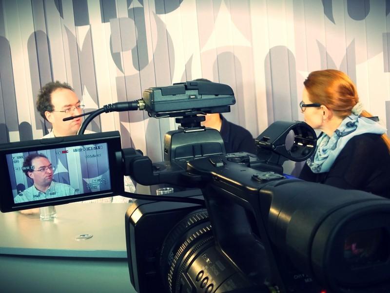 Momentka z natáčení debaty. Foto: neo
