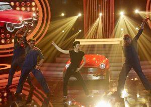Vítězka soutěže Hana Holišová jako John Travolta. Foto: TV Nova