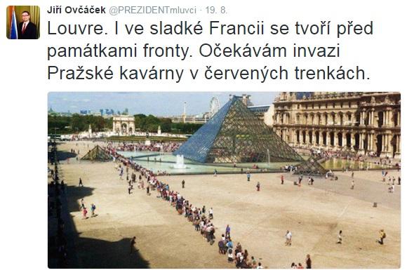 Srovnávat Pražský hrad s Louvrem? Možná spíše s Hofburgem či Schönbrunnem (Rakousko-bez kontrol) či, pokud trvá na Francii, Tuilerijským palácem (tradiční sídlo králů, rovněž průchod bez kontrol).