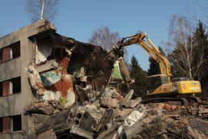 Demolice v Milovicích, snímek z roku 2014. Foto: Vladimir Wrangel / Shutterstock.com