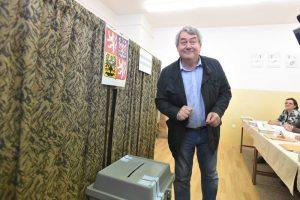Během voleb se ještě Vojtěch Filip, šéf strany, usmíval. Foto: KSČM