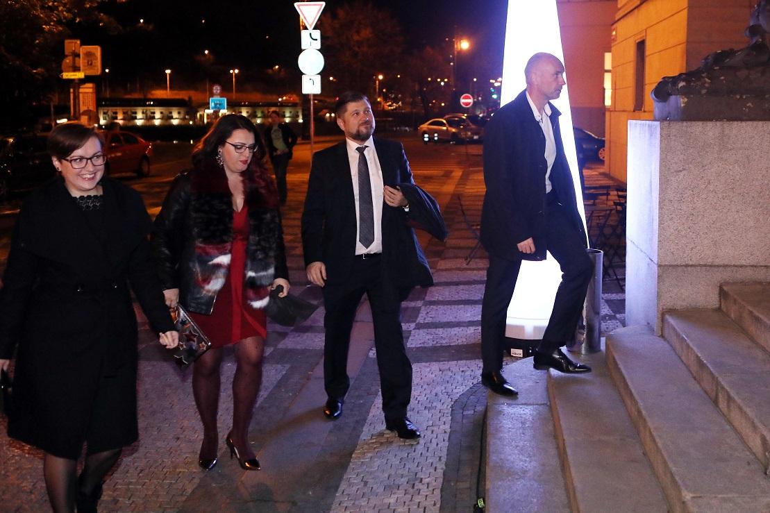Trdíkovi čeští manažeři čínské CEFC. Foto: Jakub Syrůček, Neo