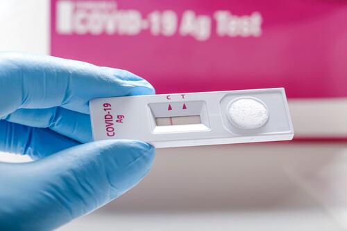 Testy, které mají zajistit bezpečný návrat dětí do škol, jsou nekvalitní